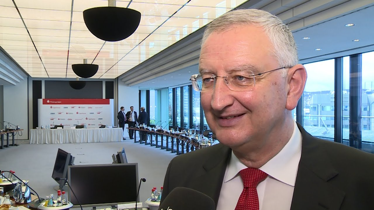 Jahresbilanz 2015: Peter Schneider, Präsident Sparkassenverband ...