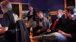 Torvikopla Big Band ~ Outoon valoon: Soolonauhoituksia studiossa