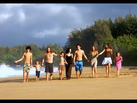 Havaiia Family Band - 'Live to Love' (Kauai 2014)