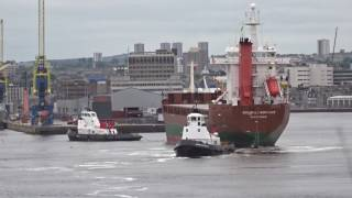 Cargo ship Admiralengracht entering Aberdeen Harbour with tugs (x8 speed)