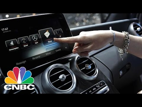 Apple May Be Shifting Gears On Self-Driving Cars | Tech Bet | CNBC