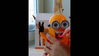 Видеообзор миньон дозатор зубной пасты с держателем для зубных щеток с алиэкспресс