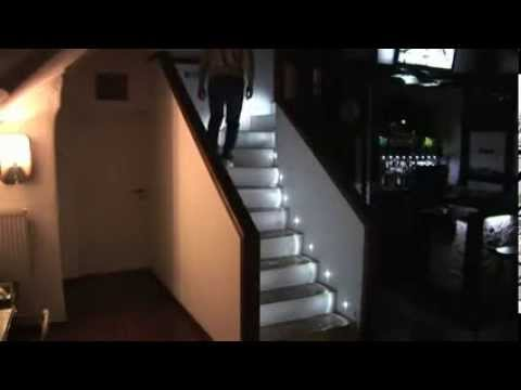 iluminacion led para escaleras o pasillos youtube. Black Bedroom Furniture Sets. Home Design Ideas