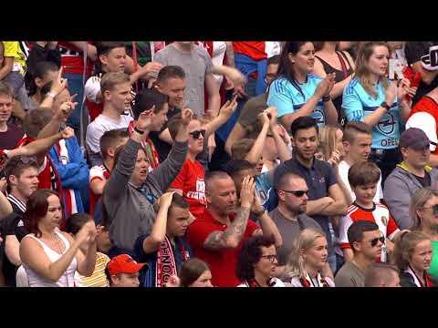 Giovanni van Bronckhorst met zijn speech na bekerwinst van Feyenoord: 'Volgend jaar vol voor de t...