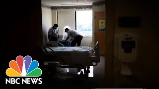 -cases-coronavirus-pass-china-unemployment-claims-rise-nbc-nightly-news