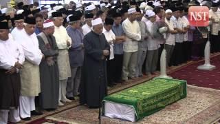 Tan Sri Jamaluddin Jarjis laid to rest