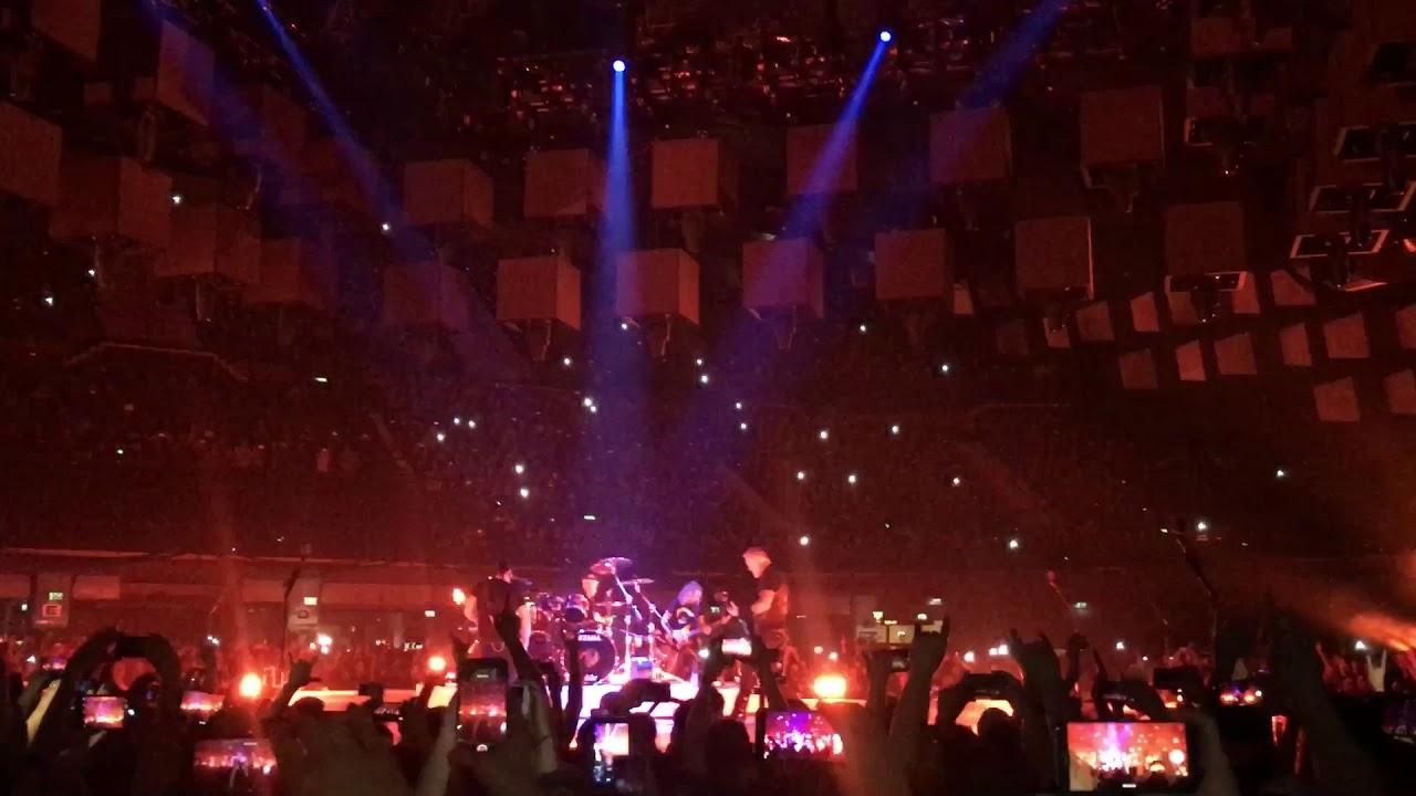 Metallica - intro - Hardwired / Wien 2018 - YouTube