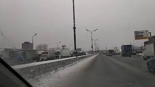 Смотреть видео Как создают пробки в Москве! онлайн