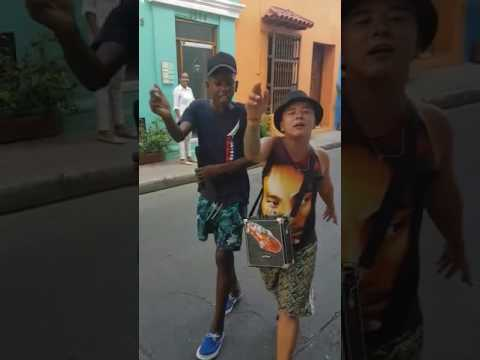 Colombian Kids - Freestyle Rap On The Streets