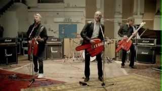 Смотреть клип Status Quo - Down Down