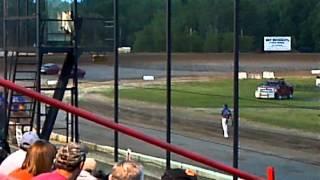 5/25/12 Brewerton Speedway spectator race   GUY BLOWS ENGINE