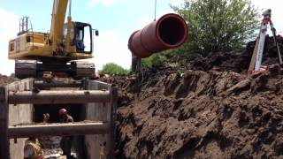 30 inch Bell and Spigot VCP Open Trench Installation
