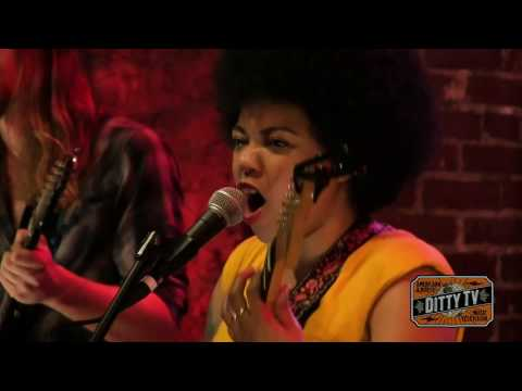 "Seratones perform ""Kingdom Come"" on Ditty TV"