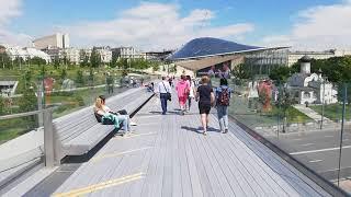 В Москве открылись рестораны и парк Зарядье