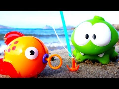 #ВидеоДляДетей. Игрушки: Ам Ням рыбки на пляже. Развивающее видео для детей и игры для детей