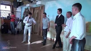 Смешной и интересный танцевальный конкурс на свадьбу, день рождения -- Цветы. Видео.(Инструкция для проведения конкурса «Цветы» здесь: http://blog.sergeyillarionov.com/konkurs-cvety/, 2014-03-17T11:57:11.000Z)