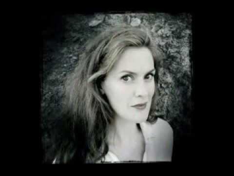 Venue Cymru - Manchester Camerata - Interview with Duncan Ward and Sarah Gabriel