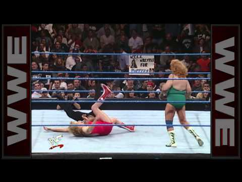 Mae Young vs. Fabulous Moolah - WWE Women's Championship Match: SmackDown, Oct. 21, 1999