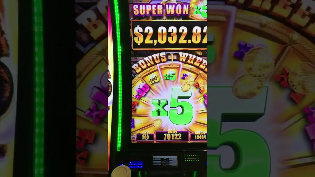 Grand Wheel Slot Machine