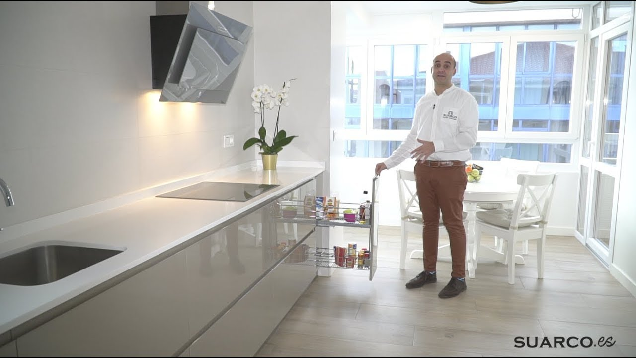 Cocina moderna blanco con basalto minimalista sin for Muebles de cocina suarco