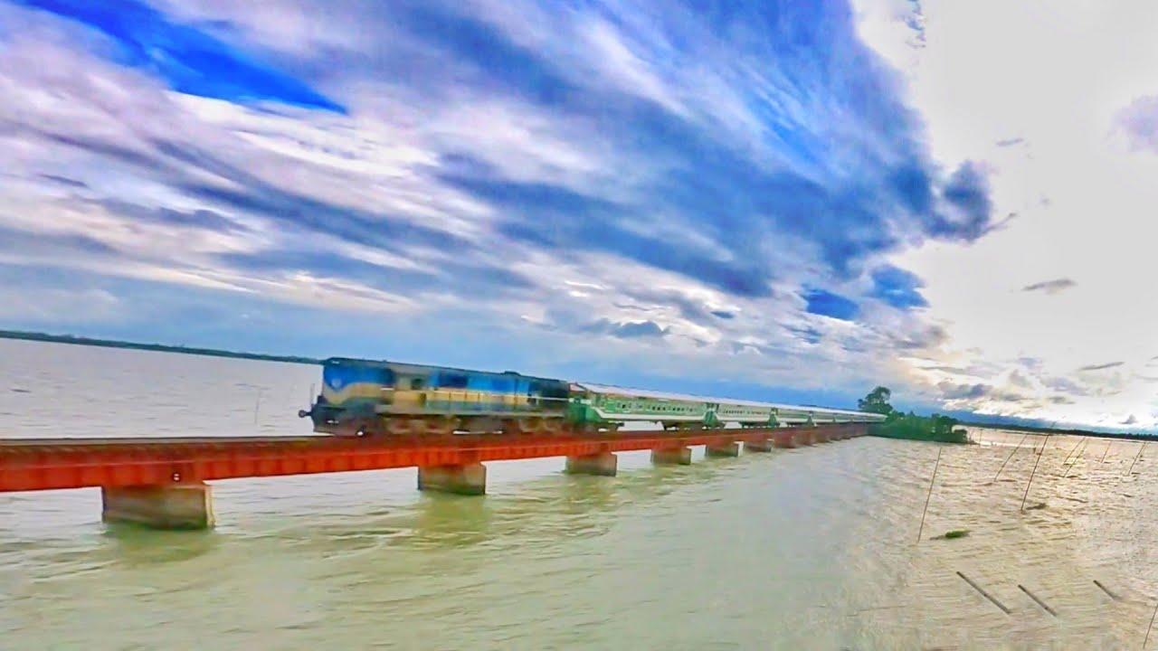Train In rail bridge || Beautiful Railway Bridge Bangladesh || Benapole express