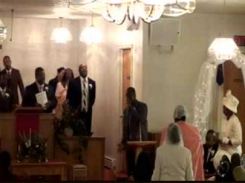 Pastor Jimmy Carter Sings at The Church of God Flint, MI.