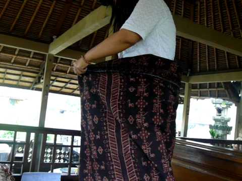 Traditional Balinese textiles explanation--the humble sarong