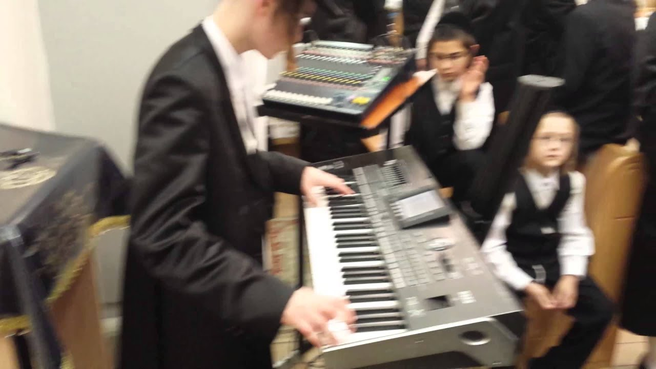 15 year old Nefew of Yoely Markowitz rocking up