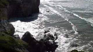 Cliff side view from Cottage Inn by the Sea in Pismo Beach 2010 .wmv