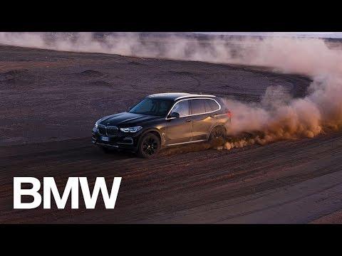BMW Builds 'Monza Sahara' In Desert So X5 Can Play In Sandbox