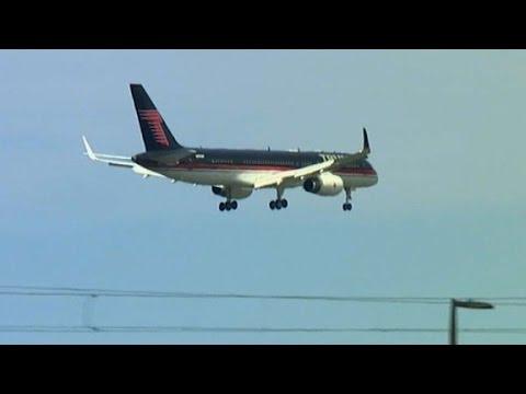 Trump's plane interrupts Ted Cruz