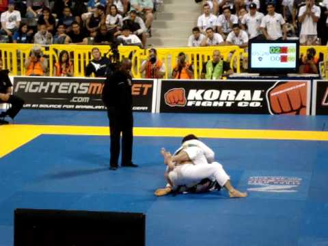 Marcelo Garcia vs Cl Calasans  Worlds BJJ