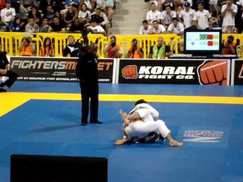 Marcelo Garcia vs Claudio Calasans 2010 Worlds BJJ