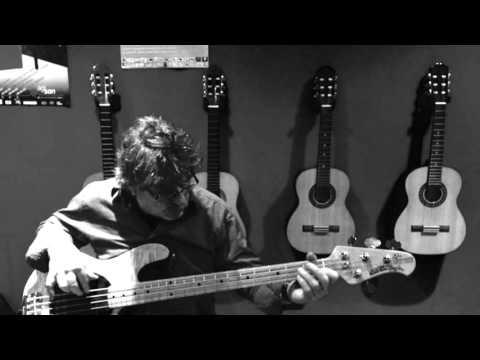 Between Buddies Blues En Studio