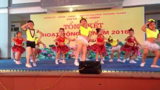 Biểu diễn tại trường tiểu học Thanh am
