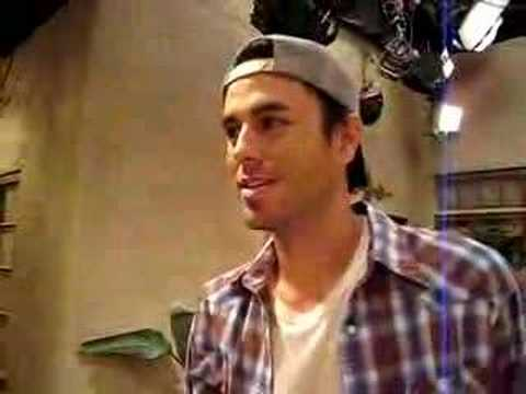 Enrique backstage on the set of Two and a Half Men