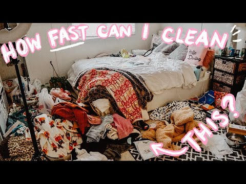 SPEED CLEANING MY EMBARRASSINGLY MESSY ROOM! HOW FAST CAN I DO IT?| Vlogmas Day 13, 2019 |