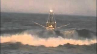 big waves prawn trawler taking on tweed heads bar