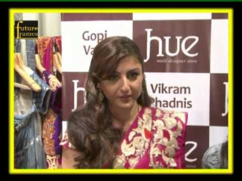 Soha Ali Khan at the HUE fashion collection