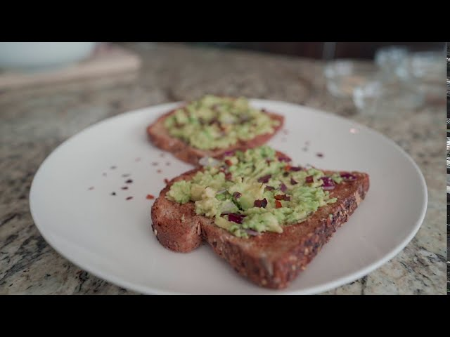 Simple breakfast: Avocado toast!