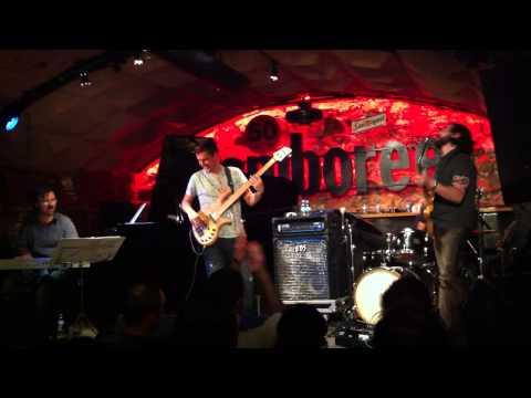 Charlie Moreno Band - El culo + funky live at Jamboree (2010)