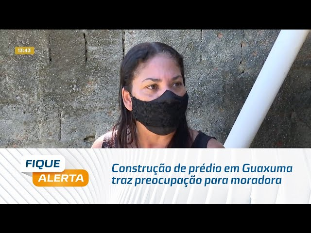 Construção de prédio em Guaxuma traz preocupação para moradora