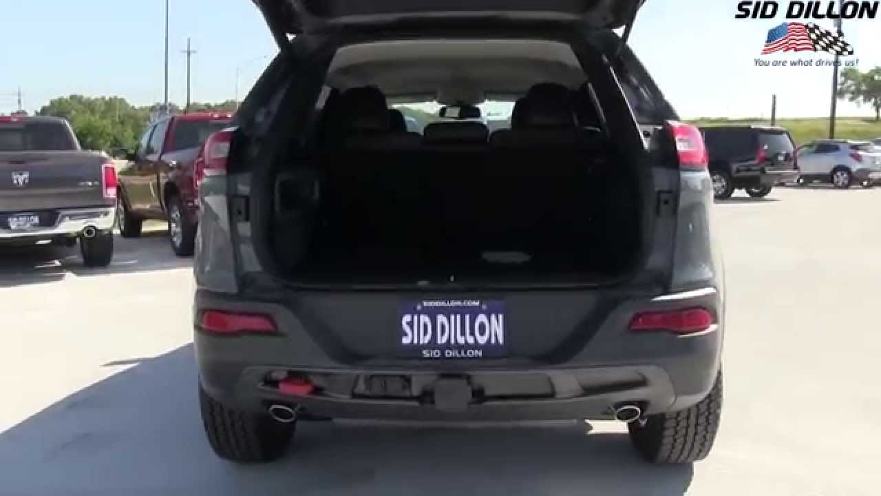 Jeep Latitude 2015 >> 2015 Jeep Trailhawk Lift Gate and Fuel Door - YouTube