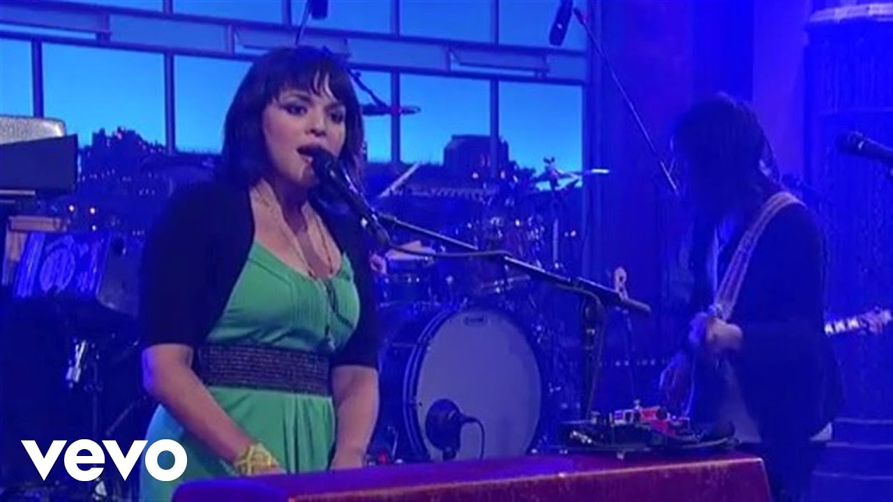 norah-jones-say-goodbye-live-on-letterman-norahjonesvevo