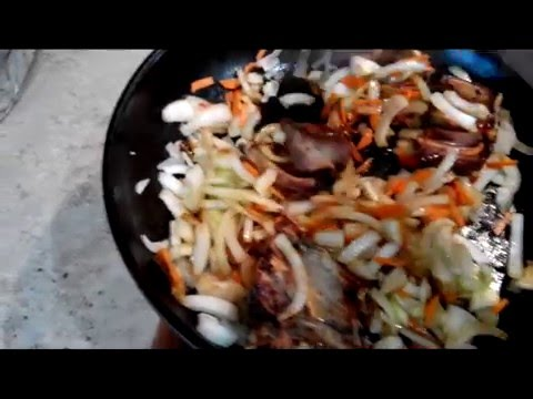 Тушеная картошка с ребрышками