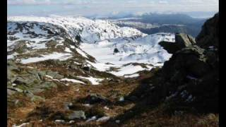 Download Veien Over Åsene (the way over the hills) MP3 song and Music Video