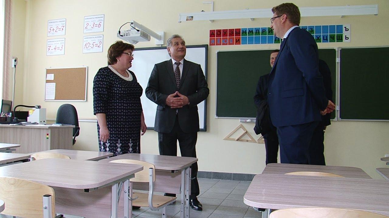 Верхнюю Салду посетил областной министр образования