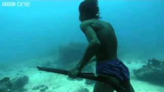 Underwater Hunter Goes Deep Sea Fishing Without Air! thumbnail