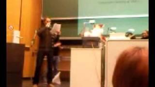 Nikolaus rockt Uni Trier