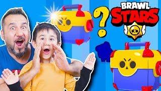 BRAWL STARS MEGA KUTULAR AÇTIK! SÜPER KARAKTERLER ÇIKTI! | EGEMEN KAAN İLE BRAWLS STARS OYNUYORUZ!